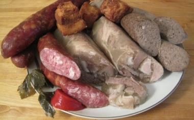 Sausage, toba and caltabos